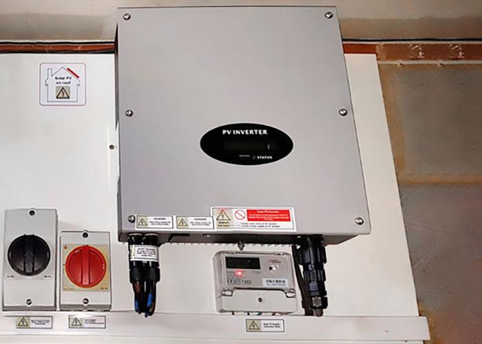 2.5KW 3KW 3.6KW 4.2KW 5KW 6KW U-2500-6000MTL-S单相户用并网逆变器