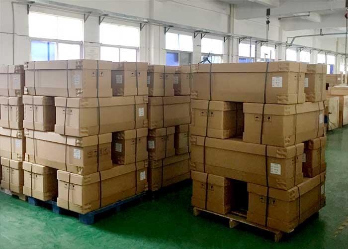 垂直轴风力发电机600W24V/48V纸箱包装